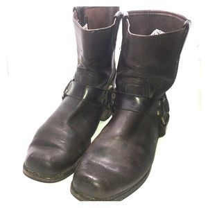 Men Frye brown harness leather boots 10